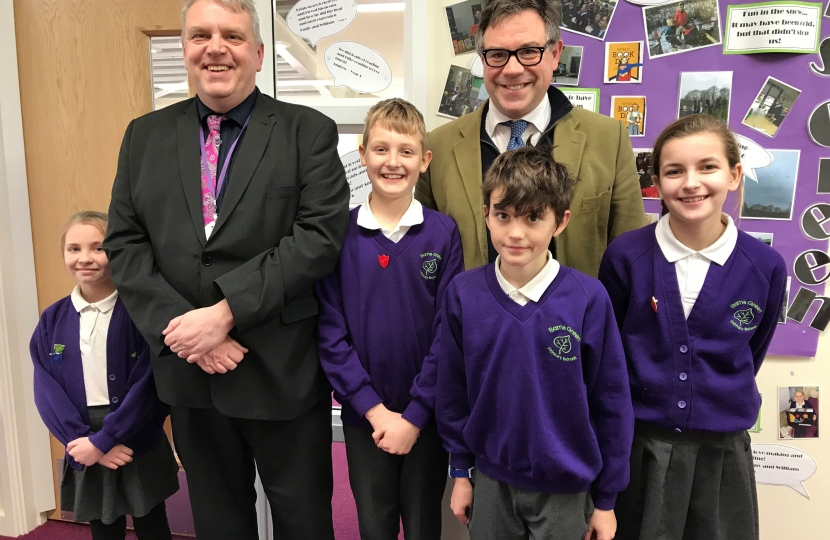 Jeremy Quin recently visited Mr Simmons and pupils at  Barns Green School  which has recently received excellent Key Stage 2 results.